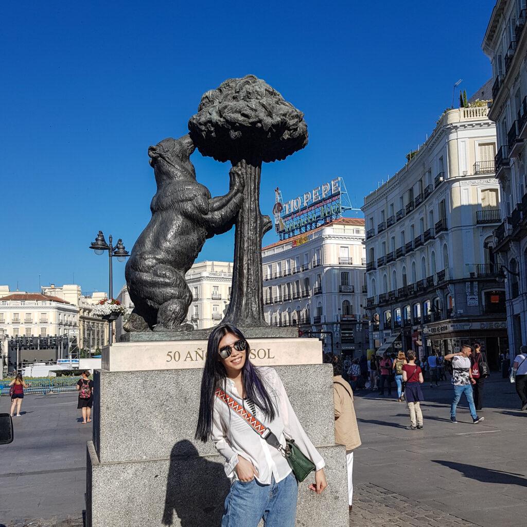 馬德里市徽 小熊和莓果樹EL Oso y el Madroño  西班牙旅遊 馬德里 景點 zoeylinslife