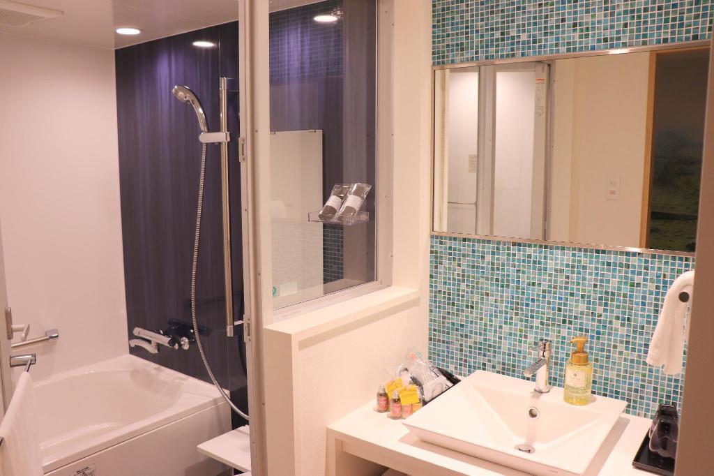 HOTEL WBF ART STAY那霸飯店 浴室 沖繩自由行 住宿推薦