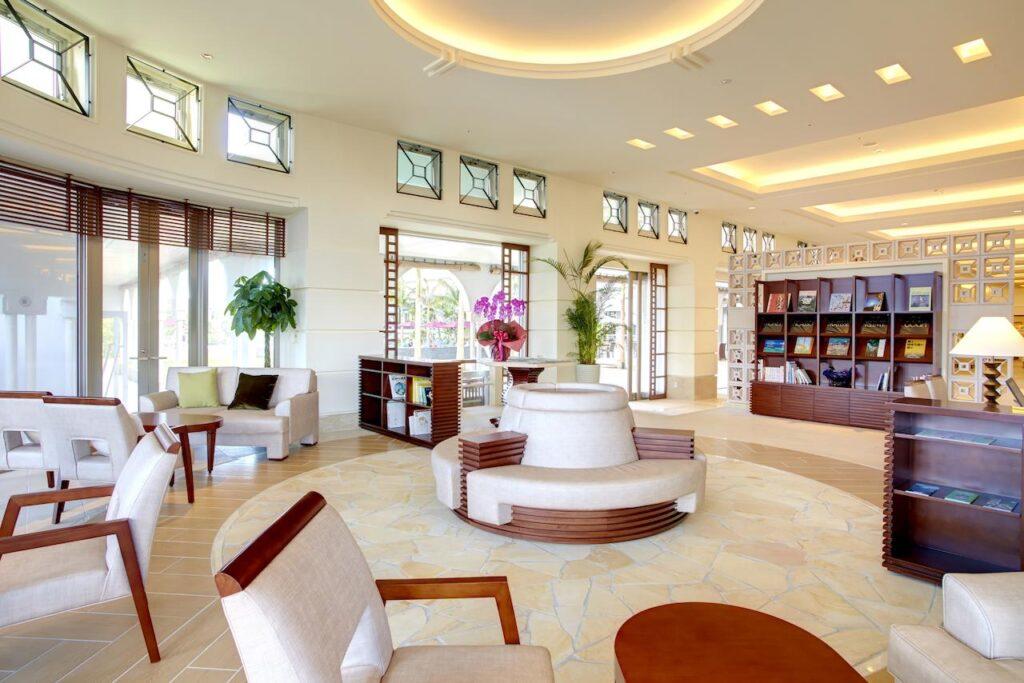 沖繩 自由行 住宿推薦  MAHAINA健康渡假飯店 大廳