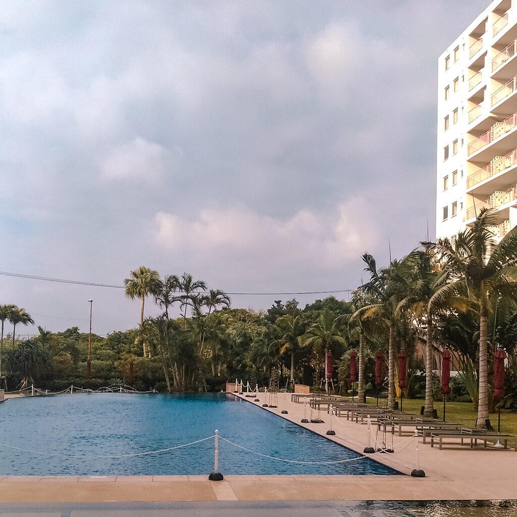 沖繩 自由行 住宿推薦  MAHAINA健康渡假飯店 戶外泳池