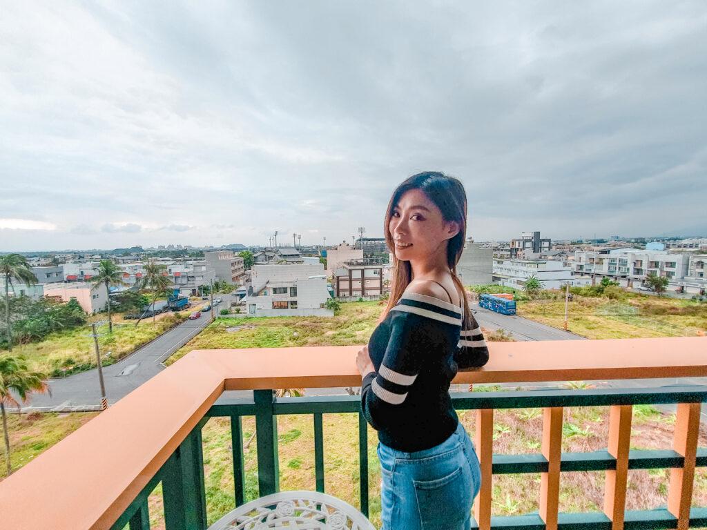 陽台可以看風景沒有遮蔽 娜路彎花園酒店 住宿體驗