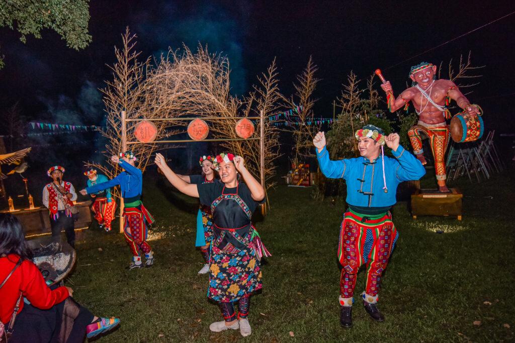 進場時的迎賓舞蹈 台東旅遊 台東特色景點 普悠瑪文化部落