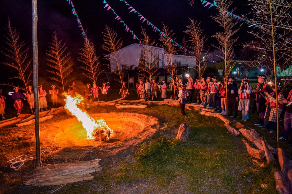 一起唱歌跳舞的夜晚 台東旅遊 台東特色景點 普悠瑪文化部落